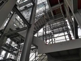 横浜市 内部階段足場